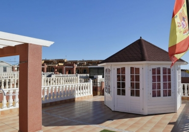 SOLD! Well maintained villa south facing with large exterior surfaces both ground and roof terrace with gazebo.