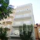 New groundfloor apartment in two floors with 4 bedrooms and 4 bathrooms, near beach