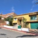 SOLD! Renovated villa with 5 bedrooms and 2 bathrooms